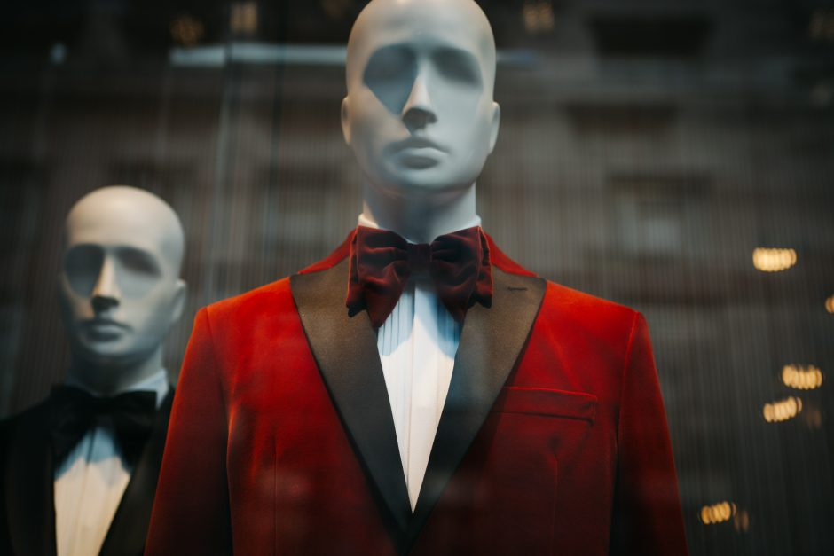"""""""Window Shopping,"""" A Short Story by Brian Wryter"""